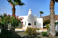 Holiday Villa in Playa Blanca outside