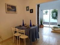 Holiday Villa in Playa Blanca dining room